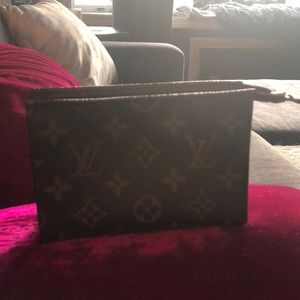 Louis Vuitton Toiletry 15